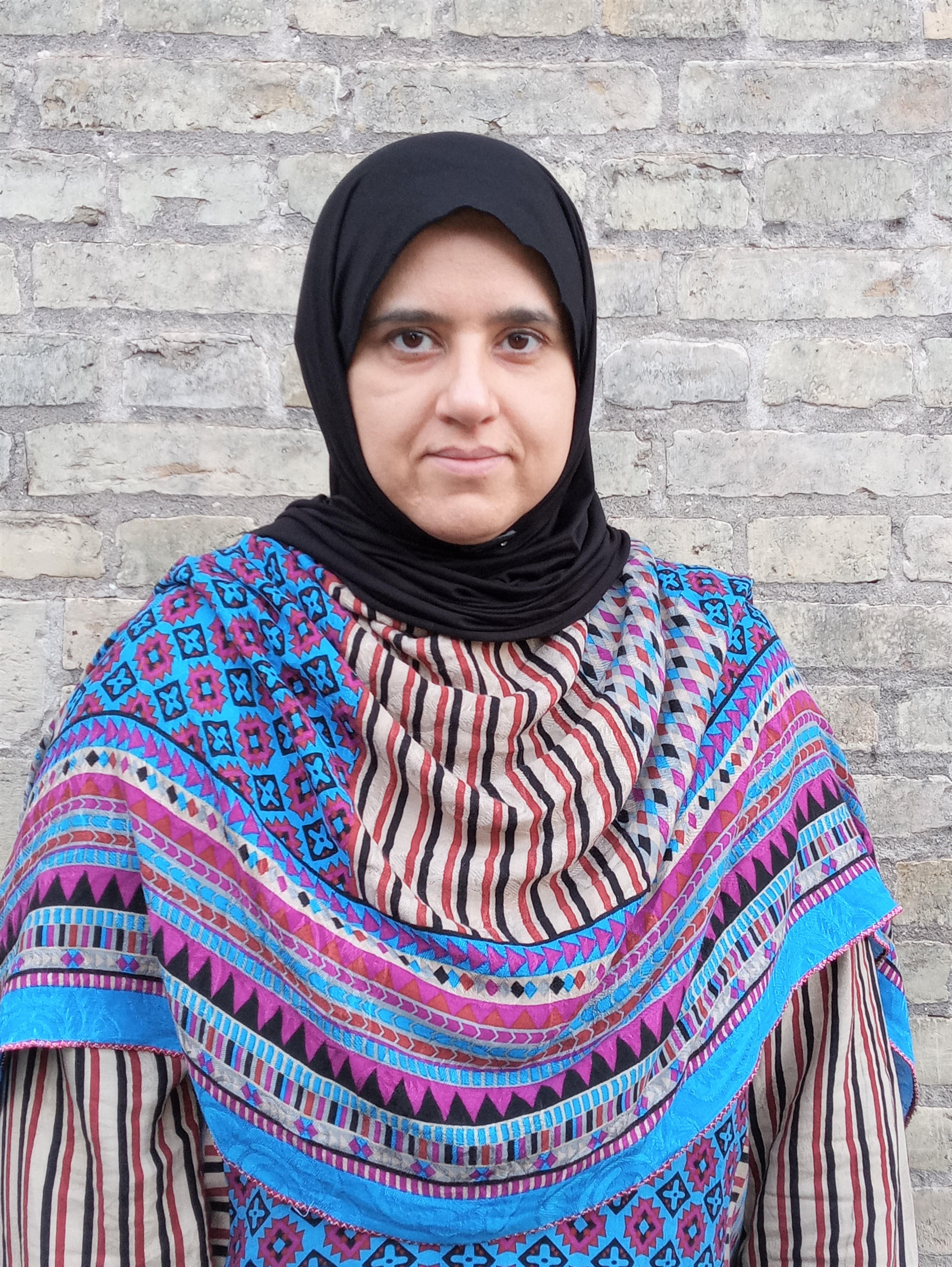 """Salma Ahmad, forfatter til """"Uden mor"""". Debutbørnebog."""